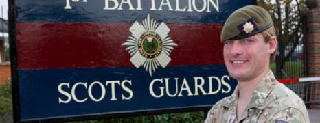 Un soldat trans devient la première femme sur ligne de front de l'armée britannique