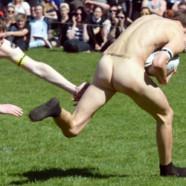 Des matchs de rugby entièrement nus !