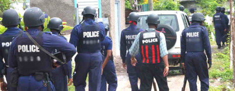 La police jamaïcaine à l'aide des sans abris gays