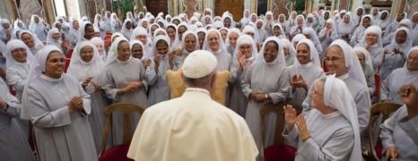 Deux nonnes amoureuses ont quitté l'Église pour se marier