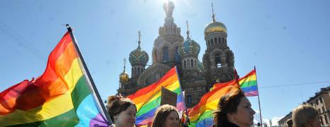 Loi anti-gay russe : 2 premières victimes
